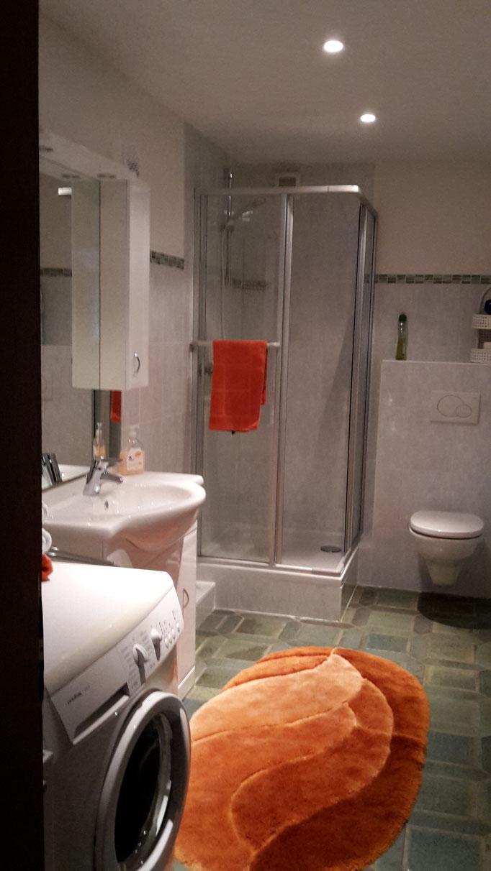 Dusche / WC - Waschmaschine