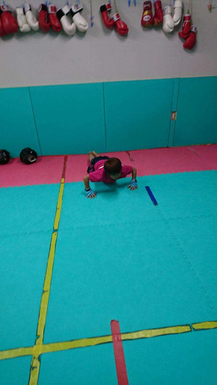 小学生からteamYAMATOはキックボクシングできます。