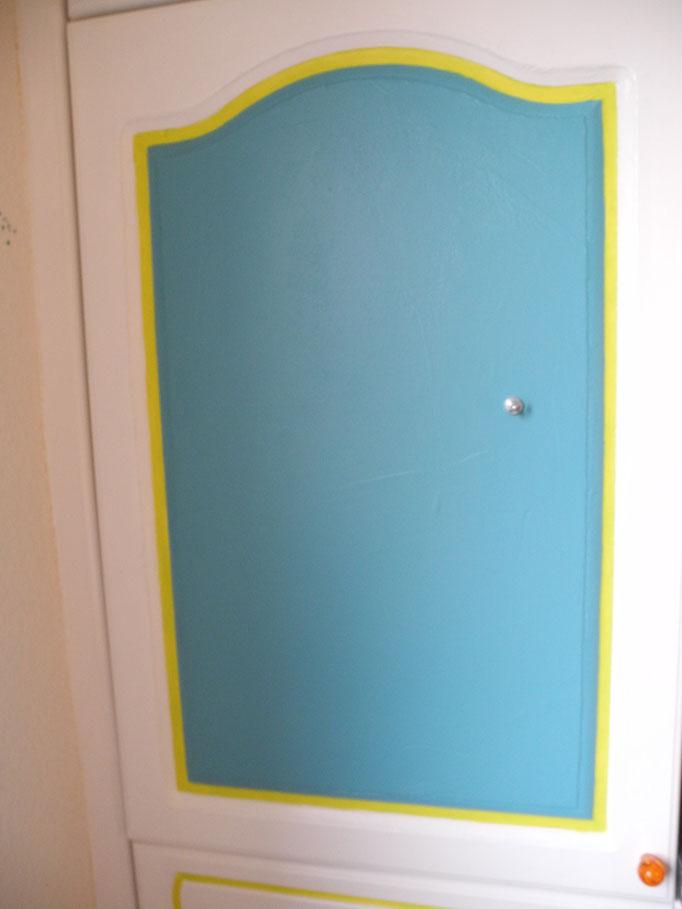 5 Lagen Eisenfarbe, 2 Lagen Tafelfarbe, 3 Lagen Weißlack