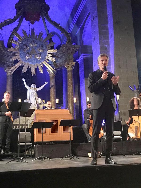 Vincent Dumestre chef d'orchestre (et musicien).
