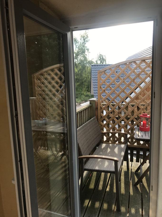Blick auf den Balkon der Wohnung