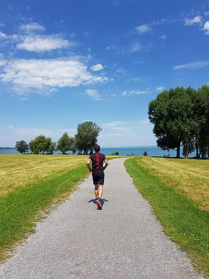 Joggen entlang dem Bodensee