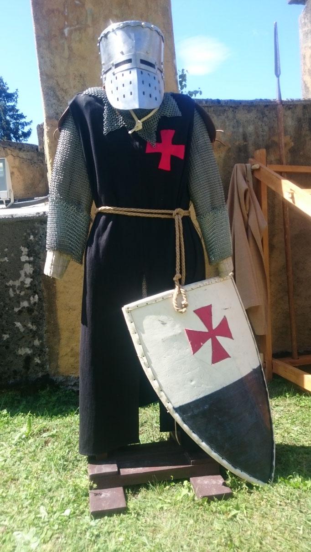 Kampfausrüstung für Malteser Ritter ©Armin Plankensteiner