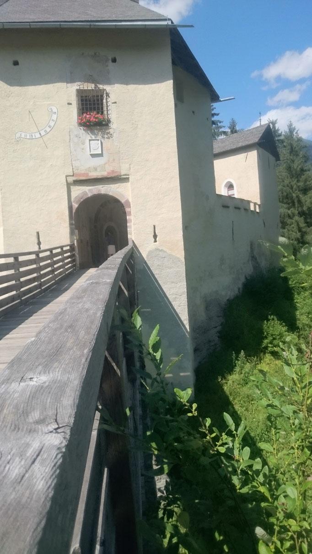 Welsperg mit Zugbrücke und Tor ©Armin Plankensteiner