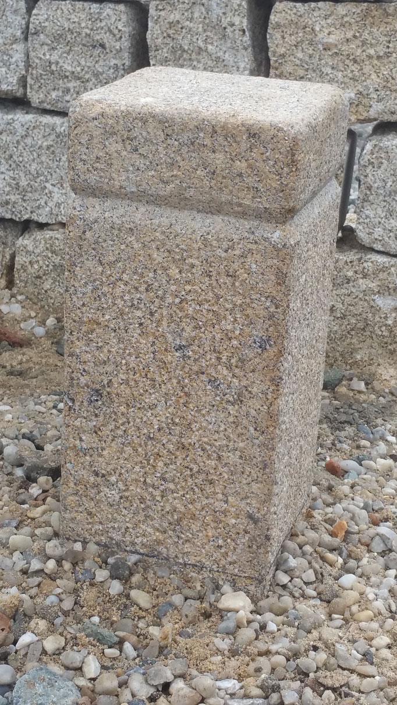 borne potelet de jardin en granit
