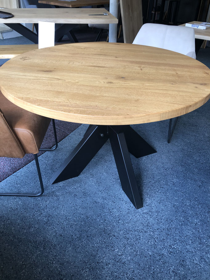 runder Esstisch aus massivholz Eiche