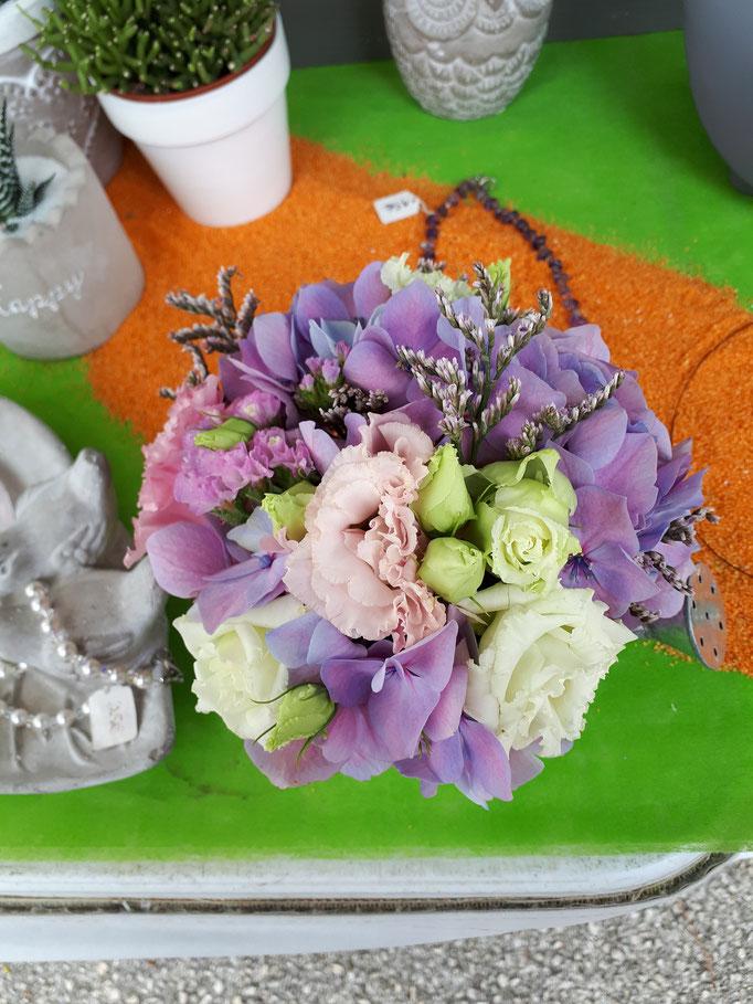N°) 18 centre de table mauve,blanc,rose pâle
