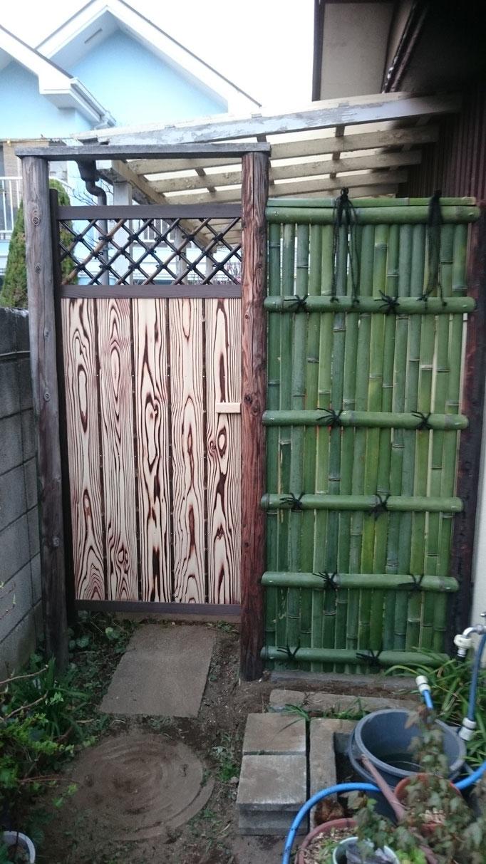 建仁寺垣の袖垣 庭木戸交換