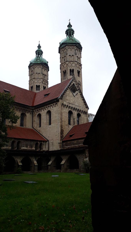 Blick auf zwei der vier Türme.