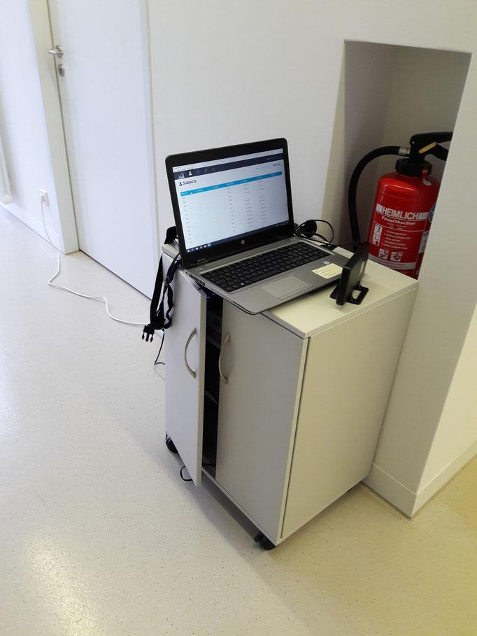 Sensoren sind an einen Computer gekoppelt