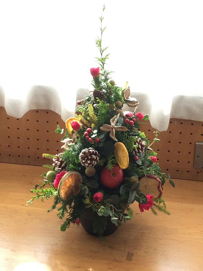 クリスマスのテーブルツリー