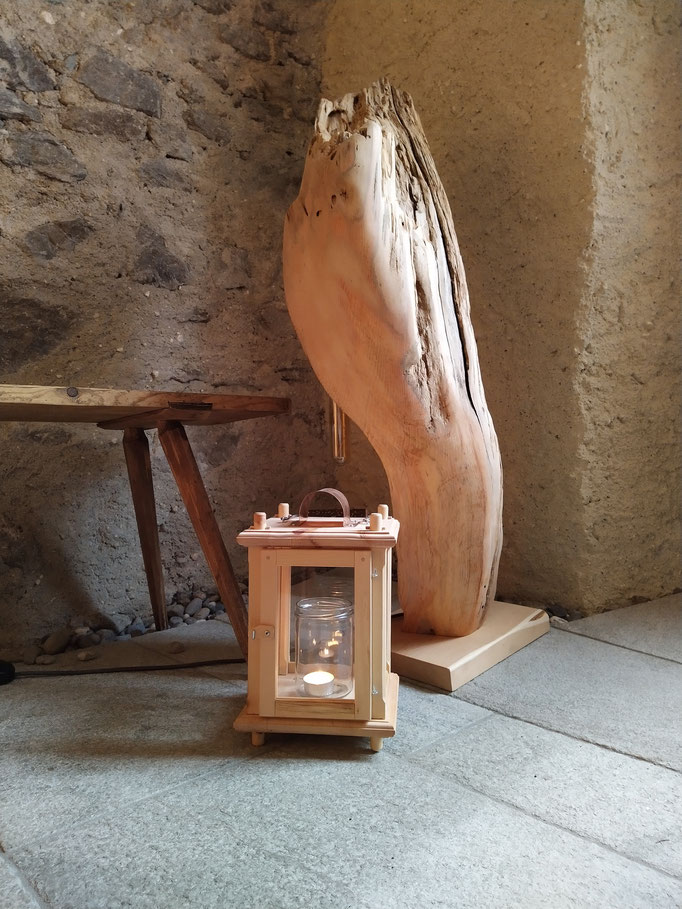 Laterne und Wurzellampe aus Zirbenholz
