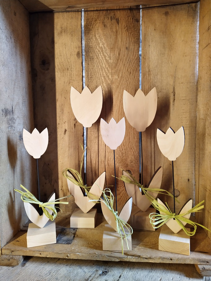 Frühlingsdeko Tulpen aus Zirbenholz