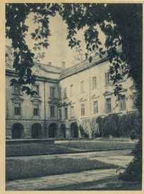 Vilnius. Valstybinis universitetas. Nuor. P. Karpovičiaus. 1948m. / Vilnius. State university. Photo by P. Karpovičius. 1948