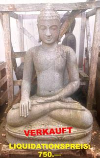 Buddha, polierter Stein. Höhe 85cm, Breite 55cm, Tiefe 45cm. 1'750.—