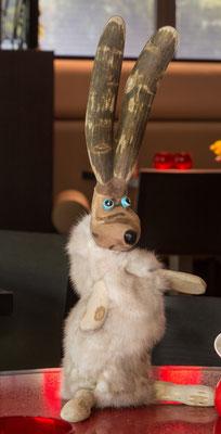 sculture lapin bois et vison, mouton bois et laine, nature, cadeaux, pièce unique