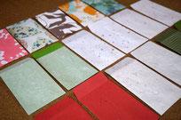 自分好みの和紙を使ってカスタムメイドのポチ袋を作製します