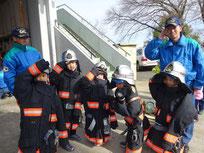 消防士のお仕事や救急車のしくみを教えていただきました