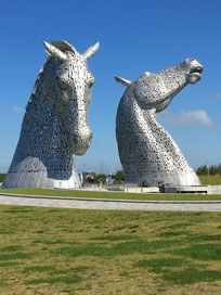 Die Kelpies, die größten Pferdestatuen der Welt