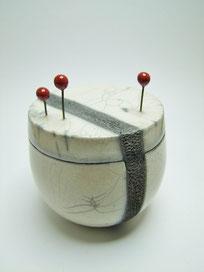 boite blanche en raku fabrication artisanale de l atelier simplement terre