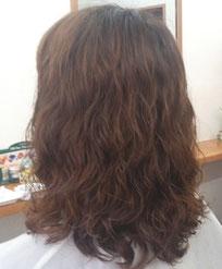 傷まないパーマ 明るい髪色でもパーマがかかる ダメージレス ブリーチ髪にパーマ 傷まないパーマ 髪痩せしない