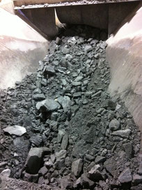 Raw material excavated with the blasting technique (precrushed at 250mm)