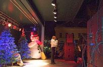 Familien-Weihnachtsprogramm und mobile Bühne mieten