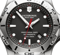 VICTORINOX SWISS MADE WATCH