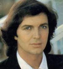 """Camilo Blanes Cortés """"Camilo Sesto"""" cantante. (Alcoy, 16 de septiembre de 1946- Madrid 9 de septiembre de 2019)."""