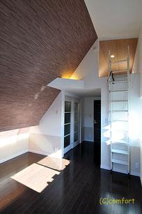 川崎区 オーダー住宅 バイクガレージ付き ロフトへの階段