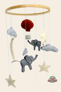 Mobile, baby shower, baby present, hot air ballon, sheep,