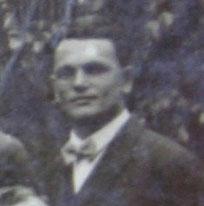 Helmut Krech 1931 bei einer Gruppenaufnahme der Rassegeflügelzüchter - Archiv Hartmut Luck