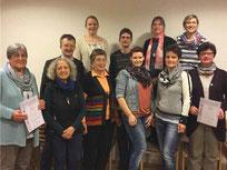Die neue OGV-Vorstandschaft mit den ausgeschiedenen Führungskräften Irene Feiner (l.) und Karolina Schön (r.)