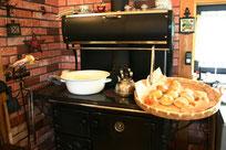 薪のストーブ