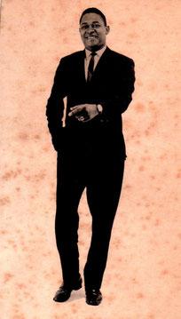 Henry Castro.