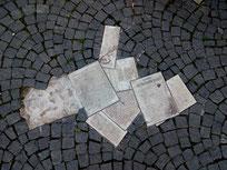 Flugblätter der Weißen Rose auf dem Geschwister-Scholl-Platz
