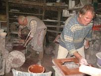 Michel Le Gentil et Nicolas Fédorenko dans leur atelier. DR.