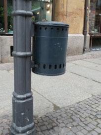Straßenpapierkorb