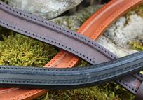 Stirnriemen und Halsband Rohlinge zum selber machen farbig blau rot pink rosa grün braun schwarz weiß hellbraun unterlegt für Kandare oder Trense DIY