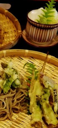 Japanese restaurant Washoku Kaiseki Gifu Nakatsugawa Magome Tsumago Naegi castle ruins Meijiza Tsukechi valley