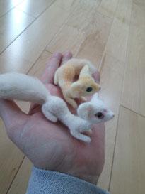 羊毛フェルト 管狐