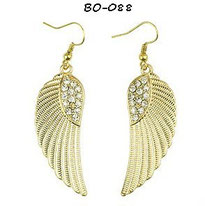 Boucles d'oreilles ailes pendantes dorées