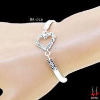 Bracelet tour du poignet coeur ou noeud papillon strass
