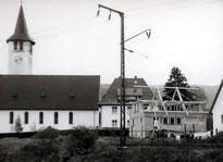 Das neue Haus beim grossen Kirchenbaum - 1957