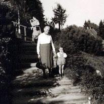 """Mit Oma unterwegs - """"Bleib immer schön an meiner Hand"""""""