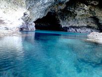 幻の島&青の洞窟体験+大迫力シュノーケルツアー