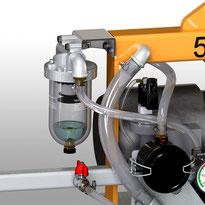 Ausstattung für Finken Vakuumheber: Flüssigkeitsabscheider zum Schutz der Vakuumpumpe vor angesaugten Flüssigkeiten, z.B. Heben von Platten von einer Wasserstrahlschneideanlage