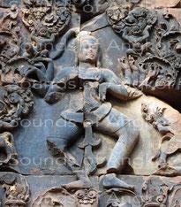 Shiva dancing. Banteay Srei.