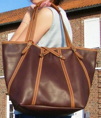 maroquinerie française, sac à main artisanal, luxe, sac fabrication française, sac haut de gamme, made in France, sac fait main, cabas en cuir, artisan du cuir, fabricant maroquinerie, sac créateur français