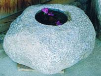 御影石水鉢
